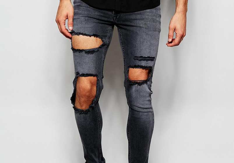 Hva er greia med ødelagte bukser??